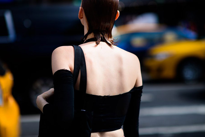 Le-21eme-Adam-Katz-Sinding-After-Hood-By-Air-New-York-Fashion-Week-Spring-Summer-2017_AKS4586-900x600