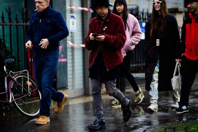 Le-21eme-Adam-Katz-Sinding-After-Comme-Des-Carcons-Paris-Fashion-Week-Fall-Winter-2017-2018_AKS7085-900x600