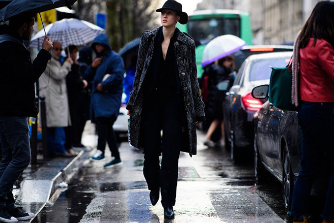 Le-21eme-Adam-Katz-Sinding-Anna-Cleveland-Paris-Fashion-Week-Fall-Winter-2017-2018_AKS6843-900x600