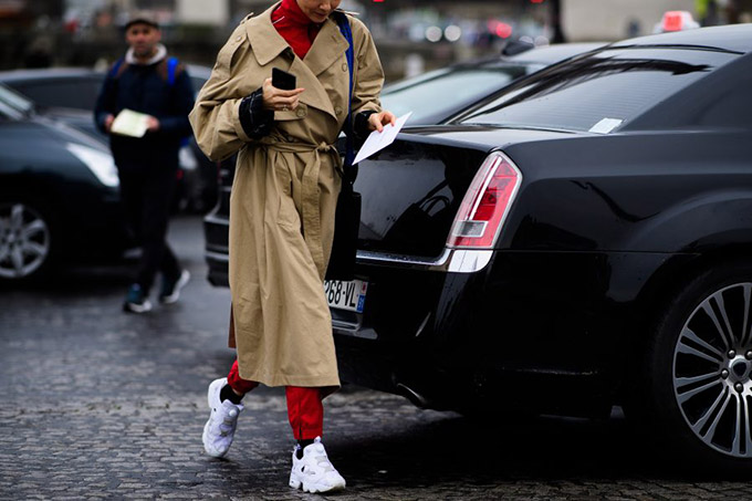 Le-21eme-Adam-Katz-Sinding-Olga-Karput-Paris-Fashion-Week-Fall-Winter-2017-2018_AKS4226-900x600