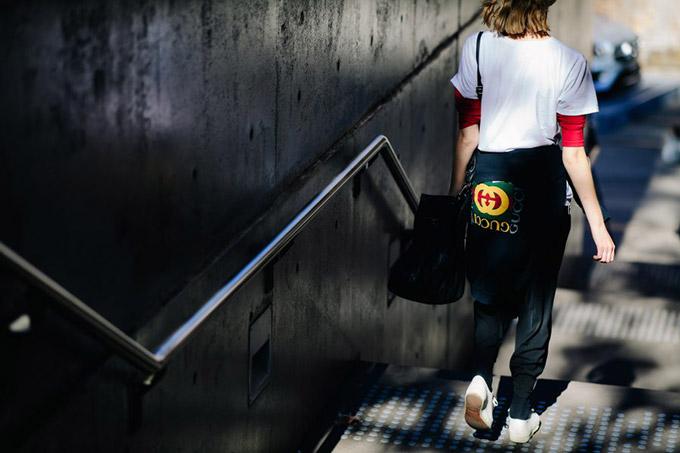 Le-21eme-Adam-Katz-Sinding-Carriageworks-Mercedes-Benz-Fashion-Week-Australia-Resort-2018_AKS1741-900x600