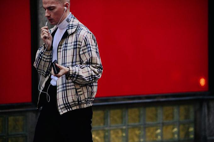 Le-21eme-Adam-Katz-Sinding-Before-Eytys-032c-Fashion-Week-Stockholm-Spring-Summer-2018_AKS2330-900x600
