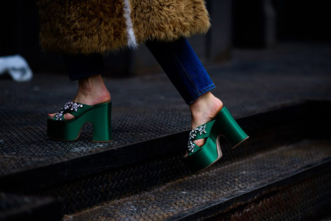Le-21eme-Adam-Katz-Sinding-Kate-Foley-New-York-Fashion-Week-Fall-Winter-2017-2018_AKS9570-900x600