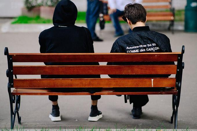 Le-21eme-Adam-Katz-Sinding-Mystetskiy-Arsenal-Ukrainian-Fashion-Week-Spring-Summer-2018_AKS7627-900x600