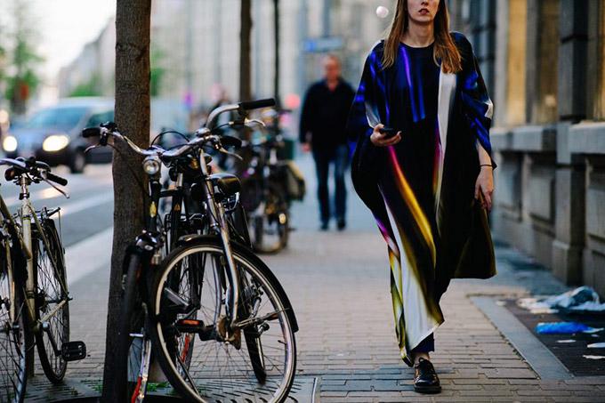 Le-21eme-Adam-Katz-Sinding-MOMU-Maison-Margiela-The-Hermes-Years-Antwerp-Belgium-March-2017_AKS0112-900x600