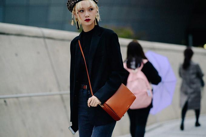 Le-21eme-Adam-Katz-Sinding-Dongdaemun-Design-Plaza-Seoul-Fashion-Week-Spring-Summer-2018_AKS1441-900x600