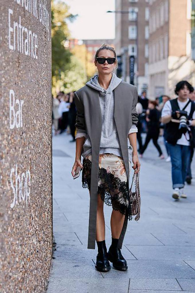 london-fashion-week-street-style-spring-2019-267823-1537291731351-image.500x0c