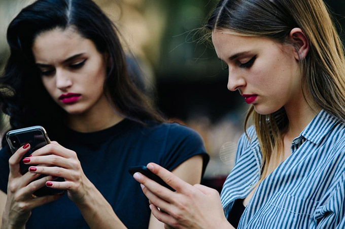 Adam-Katz-Sinding-After-Dolce-and-Gabbana-Milan-Fashion-Week-Spring-Summer-2019_AKS7195-900x600