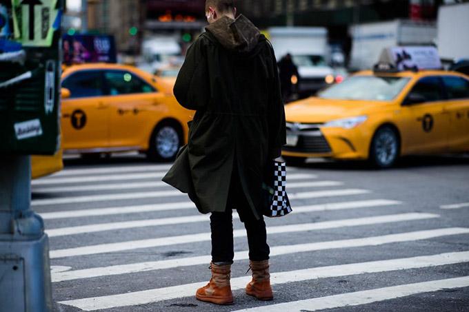 Le-21eme-Adam-Katz-Sinding-Before-3-1-Phillip-Lim-New-York-Fashion-Week-Fall-Winter-2017-2018_AKS2275-900x600