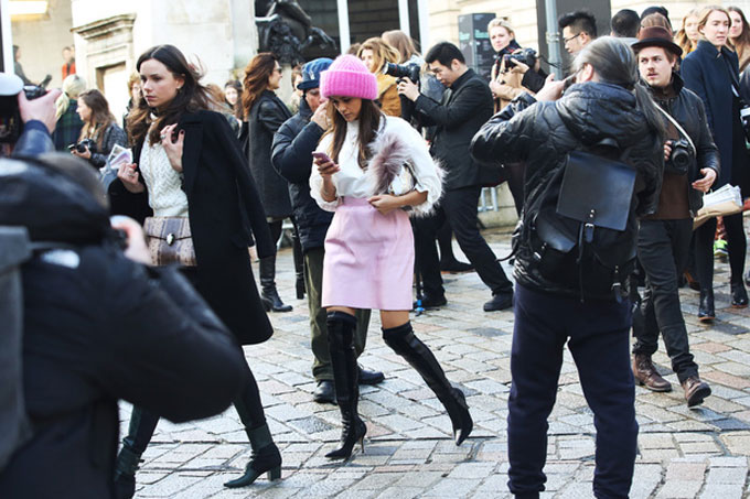 london-street-style-rosa-cappello-stivali_hg_temp2_s_full_l