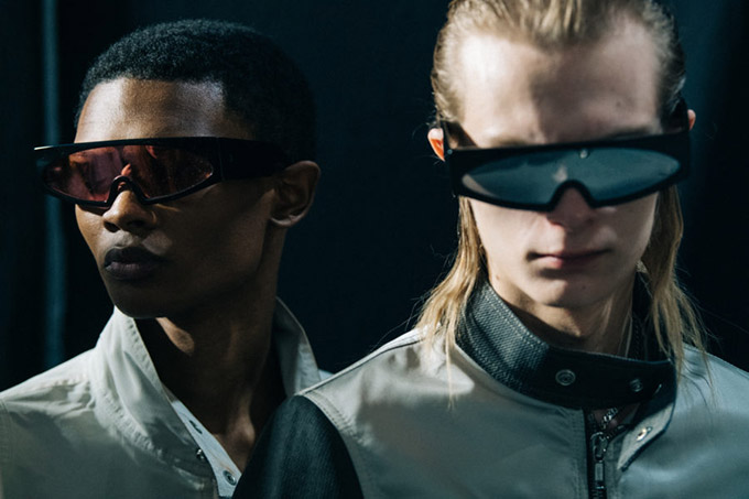 Adam-Katz-Sinding-Backstage-Rick-Owens-Paris-Fashion-Week-Mens-Spring-Summer-2020_AKS7500-900x600