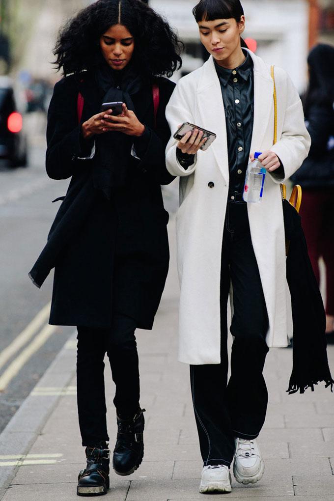Adam-Katz-Sinding-After-JW-Anderson-London-Fashion-Week-Fall-Winter-2020-2021-London-England_AKS1300-900x1350