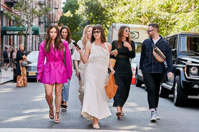 new-york-fashion-week-street-style-spring-2020-282343-1567972003264-image.500x0c
