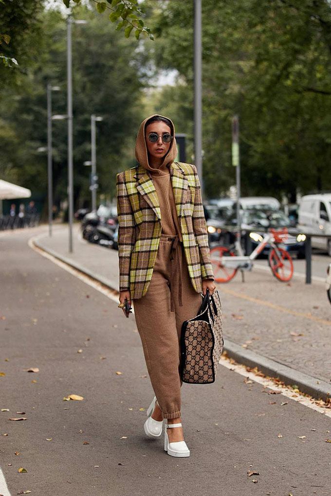 milan-fashion-week-street-style-spring-2021-289341-1601342066853-image.900x0c