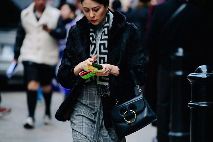 Le-21eme-Adam-Katz-Sinding-After-Fashion-East-London-Fashion-Week-Fall-Winter-2018-2019_AKS1926-900x600